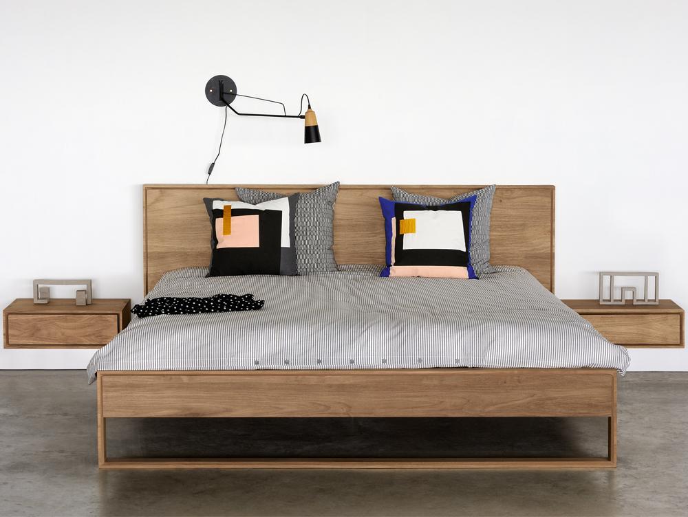Nachtkastje Hangend Aan Bed.Che Bello Eiken